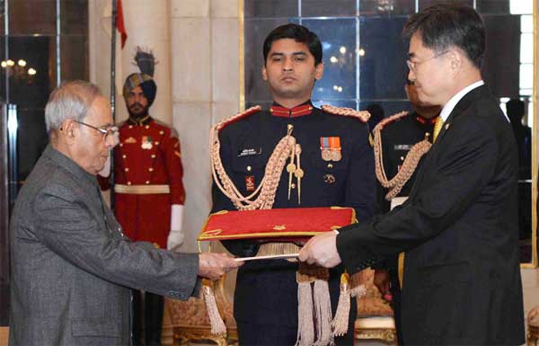 The Ambassador-designate of the Republic of Korea, Cho Hyun presenting his Credential to the President, Pranab Mukherjee, at Rashtrapati Bhavan, in New Delhi on December 07, 2015.