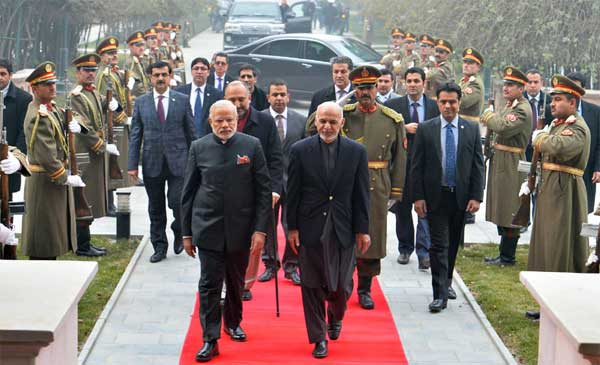 The President of Afghanistan, Dr. Ashraf Ghani welcomes the Prime Minister, Narendra Modi, at President House, at Kabul, in Afghanistan on December 25, 2015.