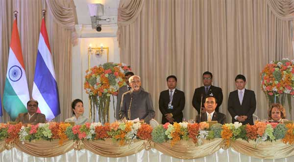 The Vice President, M. Hamid Ansari addressing at the banquet hosted by the Prime Minister of Thailand, General Prayut Chan-o-cha, in Bangkok, on February 03, 2016. The Minister of State for Home Affairs, Haribhai Parthibhai Chaudhary, Salma Ansari and Naraporn Chan-o-cha are also seen.