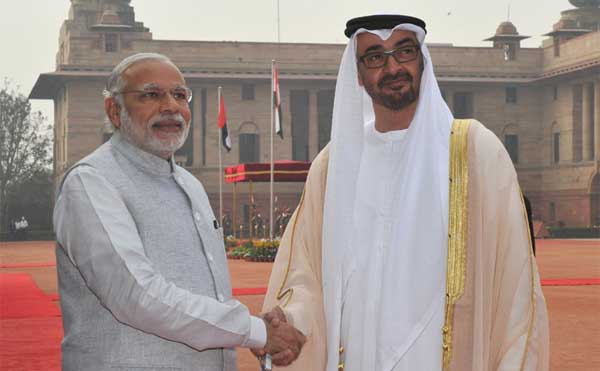 The Crown Prince of Abu Dhabi, His Highness Sheikh Mohammed Bin Zayed Al Nahyan being welcomed by the Prime Minister, Narendra Modi, at the Ceremonial Reception, at Rashtrapati Bhavan, in New Delhi on February 11, 2016.
