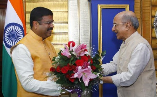 Minister of State (I/C) for Petroleum and Natural Gas Shri Dharmendra Pradhan meeting Dr Anoma Gamage, Deputy Minister of Petroleum Resources Development of Sri Lanka in Bhubaneshwar, Odisha