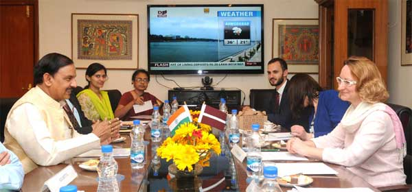 The Minister of Culture, Latvia, Dace Melbarde meeting the Minister of State for Culture (Independent Charge), Tourism (Independent Charge) and Civil Aviation, Dr. Mahesh Sharma, in New Delhi on March 11, 2016.