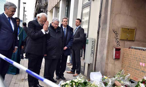 Prime Minister, Narendra Modi paying homage to victims of terror attack at the Maelbeek Metro station, in Brussels, Belgium on March 30, 2016.