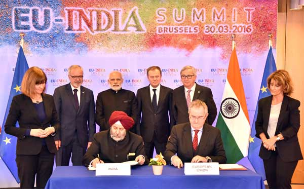 The Prime Minister, Narendra Modi at the signing of loan agreement for Lucknow Metro with European Investment Bank, in Brussels, Belgium on March 30, 2016.