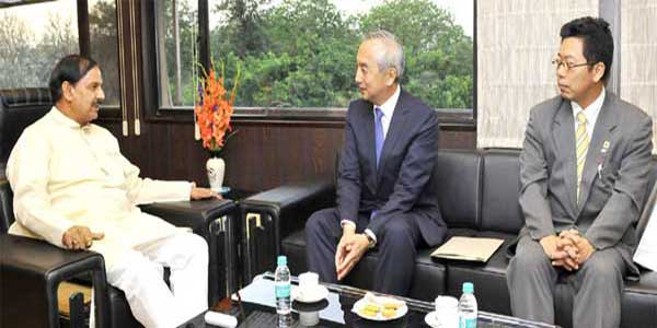 The Ambassador of Japan to India, Kenji Hiramatsu meeting the Minister of State for Culture (Independent Charge), Tourism (Independent Charge) and Civil Aviation, Dr. Mahesh Sharma, in New Delhi on April 13, 2016.