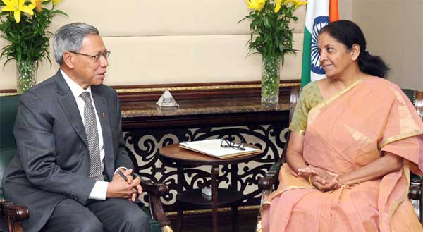 The Minister of International Trade & Industry, Malaysia, Dato Sri Mustapa Mohamed calling on the Minister of State for Commerce & Industry (Independent Charge), Nirmala Sitharaman, in New Delhi on May 02, 2016.