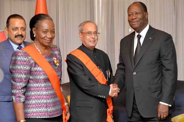 The President, Shri Pranab Mukherjee at the banquet hosted in his honour by the President of the Republic of Cote d'Ivoire, Mr. Alassane Ouattara at Presidential Palace, in Abidjan on June 14, 2016. The Minister of State for Development of North Eastern Region (I/C), Youth Affairs and Sports (I/C), Prime Minister's Office, Personnel, Public Grievances & Pensions, Atomic Energy and Space, Dr. Jitendra Singh is also seen.