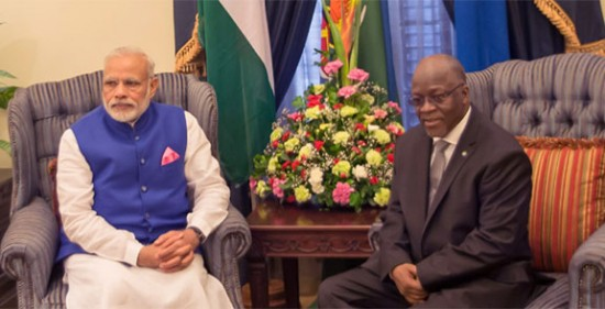 Prime Minister Narendra Modi and the President of the United Republic of Tanzania, Dr. John Magufuli, in Restricted Talks, at the State House, in Dar es Salaam, Tanzania