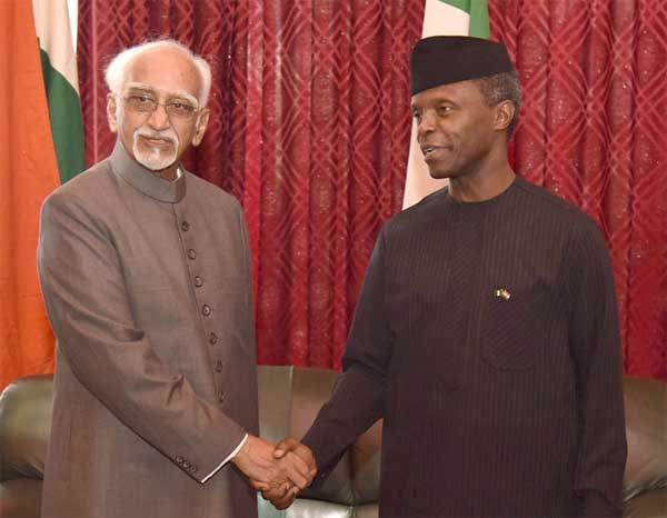 Vice President, M. Hamid Ansari with the Vice President of Nigeria, Yemi Osinbajo, in Abuja, Nigeria on September 26, 2016.
