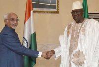 Vice President, M. Hamid Ansari with the Prime Minister of Mali, Modibo Keita, before the delegation level talks