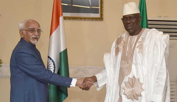 The Vice President, M. Hamid Ansari with the Prime Minister of Mali, Modibo Keita, before the delegation level talks, at the Prime Minister's Office, in Bamako, Mali on September 29, 2016.