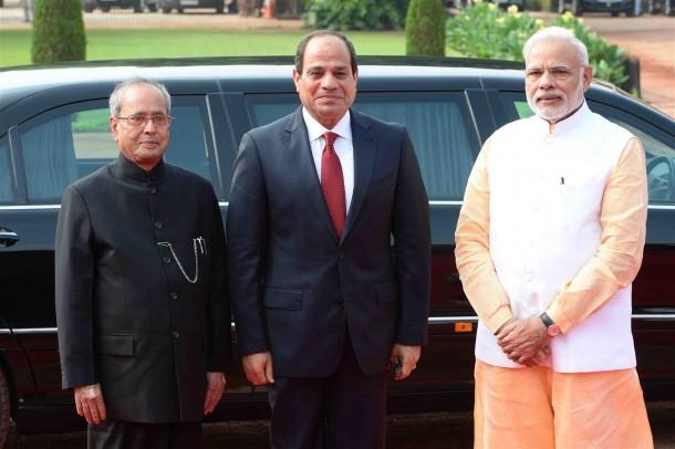 The President of India, Shri Pranab Mukherjee receiving the President of the Arab Republic of Egypt, H.E. Mr. Abdel Fattah El Sisi during his Ceremonial Reception at the Forecourt of Rashtrapati Bhavan on September 2, 2016.