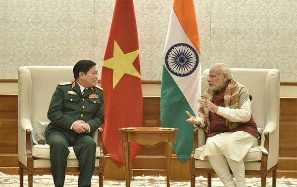 The Defence Minister of Vietnam, General Ngo Xuan Lich calls on the Prime Minister, Narendra Modi, in New Delhi on December 05, 2016.