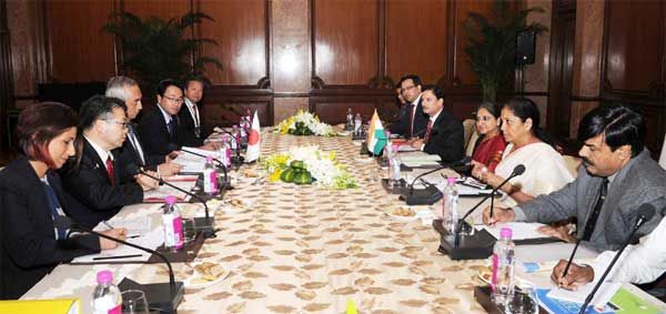 The Minister of State for Commerce & Industry (Independent Charge), Nirmala Sitharaman and the Minister of Economy, Trade and Industry, Japan, Hiroshige Seko in a bilateral meeting, in New Delhi on January 09, 2017.