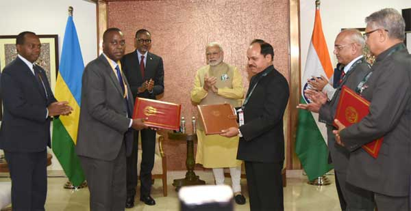 The Prime Minister, Narendra Modi and the President of Rwanda, Paul Kagame witnessing the exchange of an MoU on Forensic Sciences cooperation and Rwanda's accession to the International Solar Alliance, on the sidelines of the Vibrant Gujarat Global Summit 2017, in Gandhinagar, Gujarat on January 10, 2017.