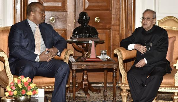 The King Mswati III of Swaziland meeting the President, Pranab Mukherjee, at Rashtrapati Bhawan, in New Delhi on March 10, 2017.
