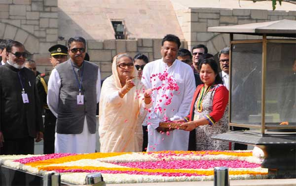 The Prime Minister of Bangladesh, Sheikh Hasina paying floral tributes at the Samadhi of Mahatma Gandhi, at Rajghat, in Delhi on April 08, 2017.