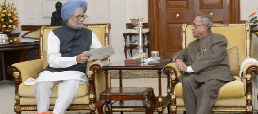 The Prime Minister, Dr. Manmohan Singh submitting his resignation to the President, Pranab Mukherjee, in New Delhi on May 17, 2014.