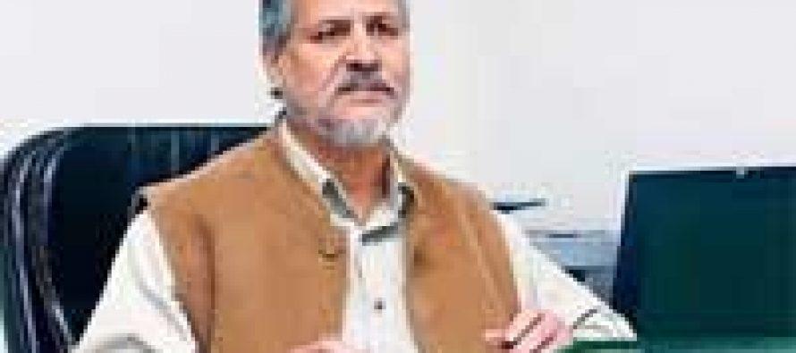 Delhi LG reviews progress of solar projects