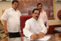 Shripad Yesso Naik taking charge as the Minister of State (IC) for Ministry of Culture, in New Delhi on May 27, 2014.