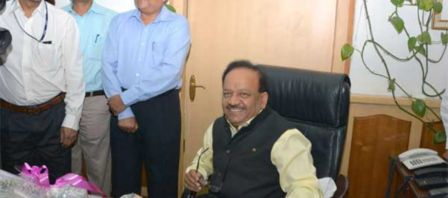 Dr. Harsh Vardhan taking charge as the Union Minister for Health & Family Welfare, in New Delhi on May 27, 2014.