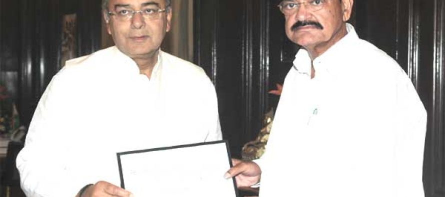Urban development ministry hands over Rs.330 crore to finance