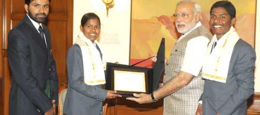 Modi congratulates teenagers who climbed Everest