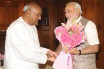 The former Prime Minister, H.D. Deve Gowda calling on the Prime Minister, Narendra Modi, in New Delhi on June 06, 2014.