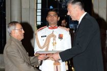 The Ambassador of Bulgaria, Petko Doykov presenting his credentials to the President of India, Pranab Mukherjee