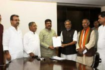 A delegation from Bihar calling on the Minister of State (Independent Charge) for Petroleum and Natural Gas, Dharmendra Pradhan