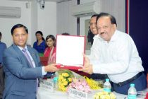 K.V. Brahmaji Rao, Executive Director, PNB, receiving the award for CSR activity from Dr. Harsh Vardhan, Minister of Health & Family Welfare