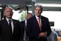 Kerry first US secretary of state visits Hiroshima memorial