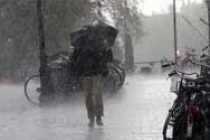 Heavy rains lash Gurugram, traffic hit