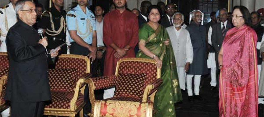 The President, Shri Pranab Mukherjee hosted an Iftar party, at Rashtrapati Bhavan, in New Delhi on July 21, 2014.
