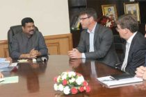 A delegation accompanied by the High Commissioner of Australia, Patrick Sucking meeting the MoS (IC) for Petroleum and Natural Gas, Dharmendra Pradhan