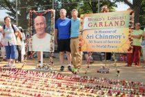 World's longest garland honours Indian spiritual guru in US