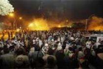 Pakistan protestors head to PM's house