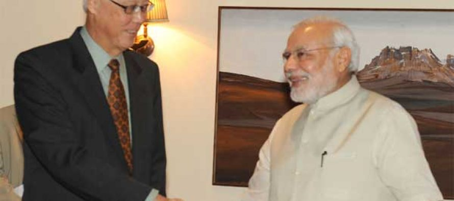The former Prime Minister of Singapore, Mr. Goh Chok Tong calling on the Prime Minister, Shri Narendra Modi, in New Delhi