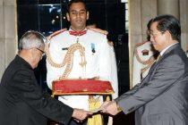 The Ambassador-designate of DPR Korea, Kye Chun Yong presenting his credential to the President, Pranab Mukherjee