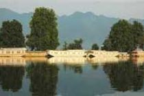 Himachal tourism to bloom due to floods in Kashmir