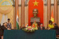The President, Pranab Mukherjee and the President of Socialist Republic of Vietnam, Truong Tan Sang witnessing the signing ceremony of agreements and MoUs