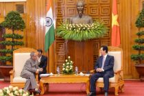 The President, Pranab Mukherjee meeting the Prime Minister of the Socialist Republic of Vietnam, Nguyen Tan Dung
