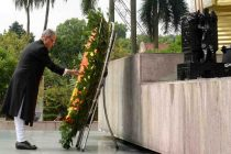 The President, Pranab Mukherjee laying wreath at the Monument of National Heroes & Martyrs, in Hanoi on September 15, 2014.