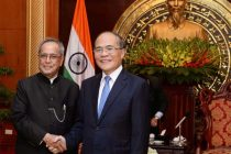 The President, Pranab Mukherjee meeting the Chairman, National Assembly of Vietnam, Nguyen Sinh Hung, at National Assembly