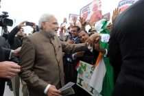 The Prime Minister, Narendra Modi being greeting by the people on his arrival, at Andrews Air Force Base
