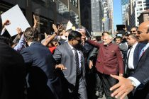 Modi wades into cheering crowds, throws security in a tizzy
