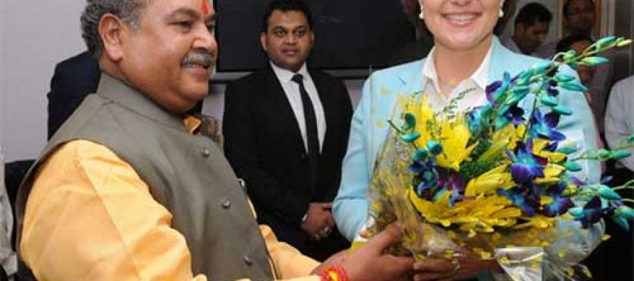 The Minister for Mines, Steel and Labour & Employment, Narendra Singh Tomar meeting the Premier of British Columbia, Canada, Christy Clarke