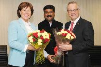 The MoS (IC) for Petroleum and Natural Gas, Dharmendra Pradhan meeting the Minister of International Trade, Canada, Ed Fast and the Premier of British Columbia, Canada, Christy Clarke