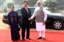 The PM, Narendra Modi welcoming the Prime Minister of Socialist Republic of Vietnam, Nguyen Tan Dung and Madame Tran Thanh Kiem