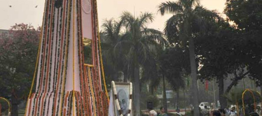 The PM, Narendra Modi paying floral tribute to Sardar Patel on Rashtriya Ekta Diwas, at Patel Chowk, in New Delhi on Oct 31, 2014.